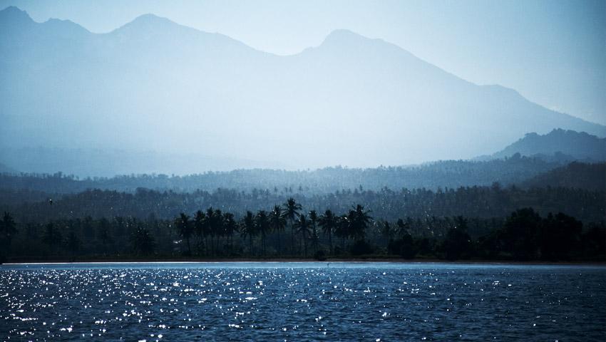 Blick auf die Küste Lomboks