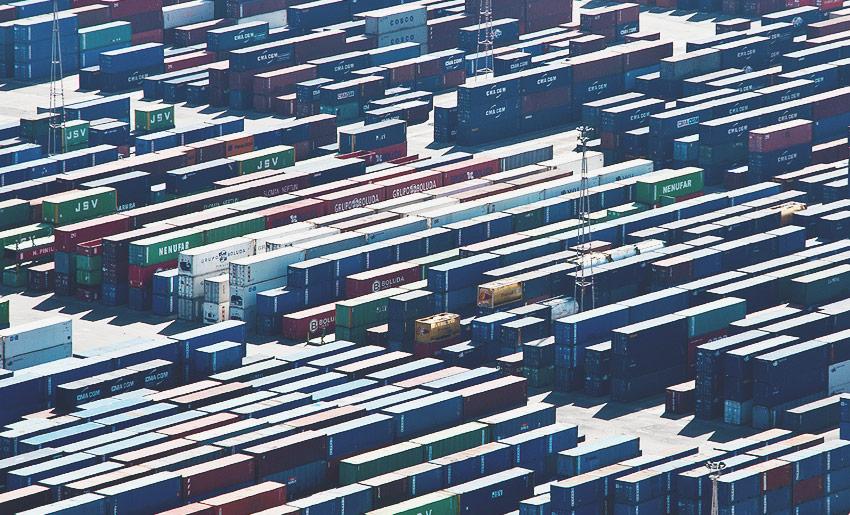 Passend zum Hafen: Eine Menge Container