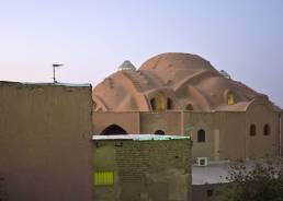 Auf dem Dach des Basars