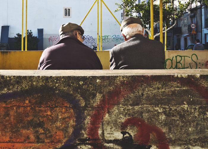 Zwei ältere Herren in Lissabon
