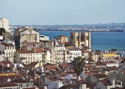 Blick vom Miradouro de São Pedro de Alcântara