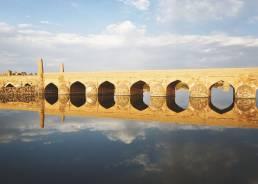 Der Fluss Zayanderud in Varzaneh