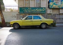 Einer alter Mercedes in Isfahan