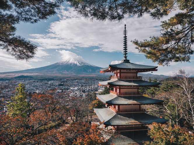 Pagode am Mount Fuji