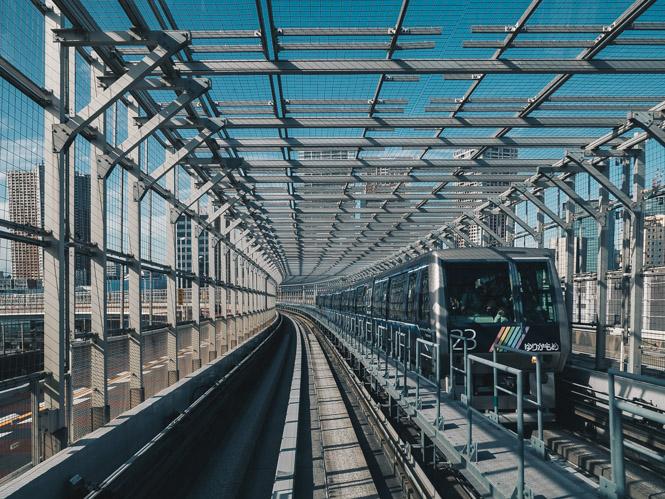 Yurikamome Line von der Toyosu Station zur Shimbashi Station