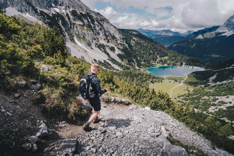 Blick auf den Seebensee beim Abstieg von der Coburger Hütte