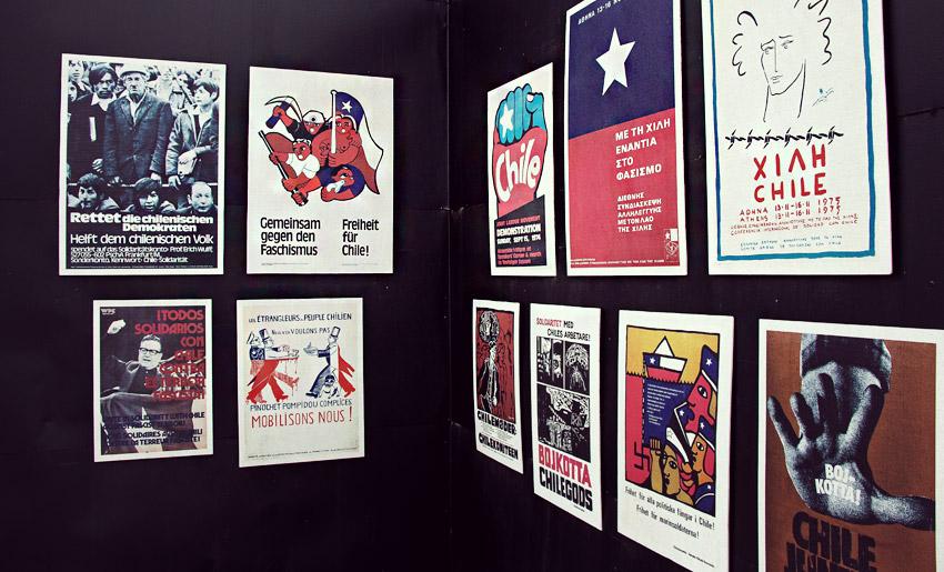 Politische Poster mit Solidaritätsbekundungen aus der Zeit des Militärputsch in Chile