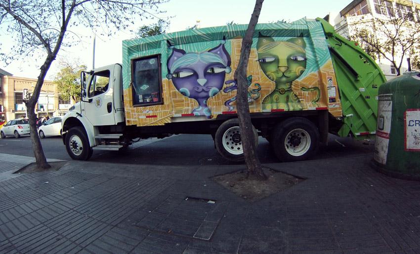 Streetart in Valparaíso: Sogar auf der Müllabfuhr